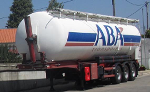 Transportes de pulverulentos em cisternas